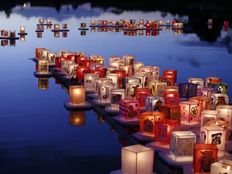 Img: Cerimônia do Tooro Nagashi é destaque do primeiro dia de Akimatsuri